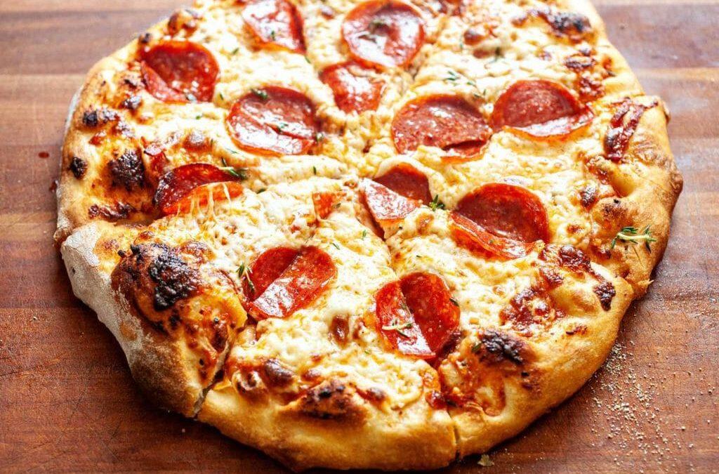 Receta de cocina: Pizza de pepperoni casera