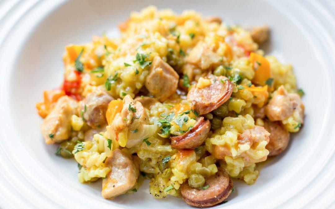 Receta de cocina: paella Instantánea con pollo y salchicha