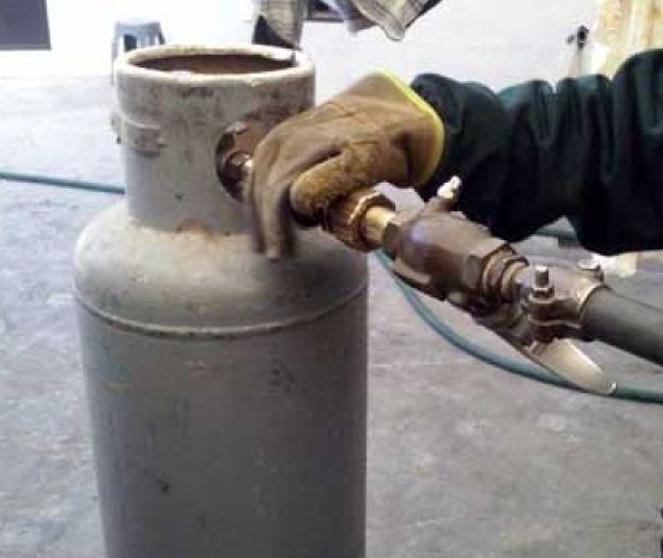 Llenado de tanque de gas a domicilio; servicio activo